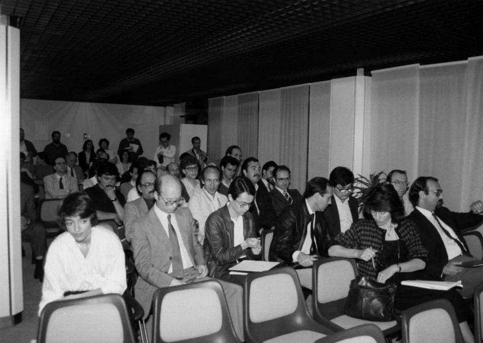 Fotografia sessão de trabalho Jornadas 87