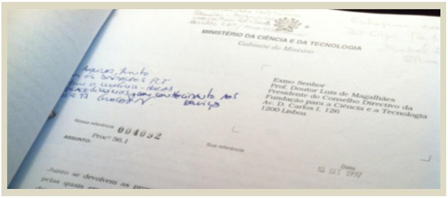 Fotografia pormenor de documento da FCT