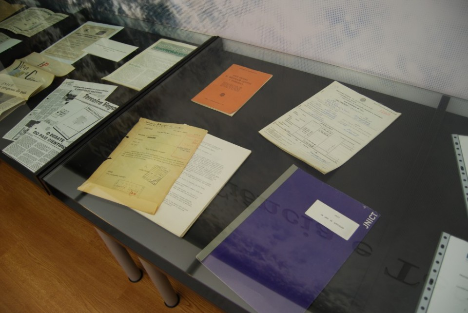 Fotografia documentos do ACT em exposição
