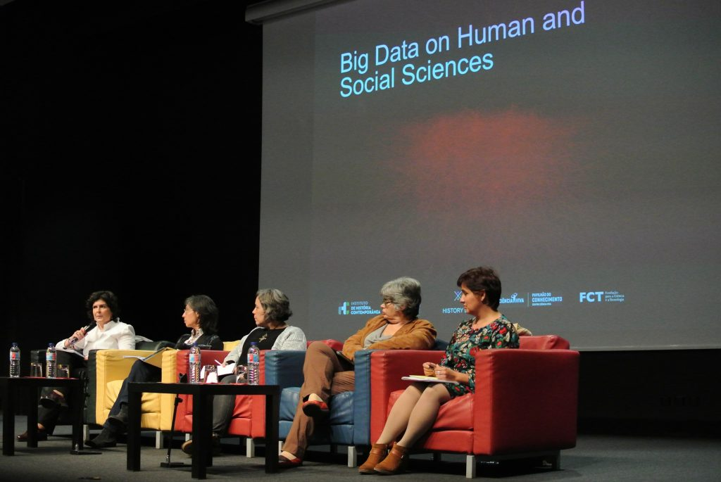 Organizadoras e participantes no painel «Archives, libraries and Big Data»